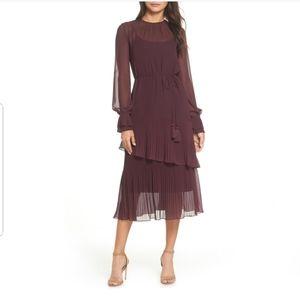 Chelsea28 Pleat Detail Midi Dress in Burgundy